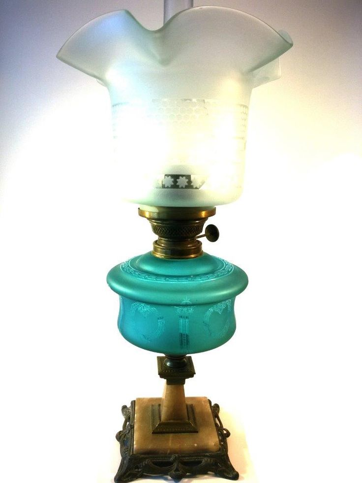 Lampa naftowa na marmurowej podstawie lata 20'