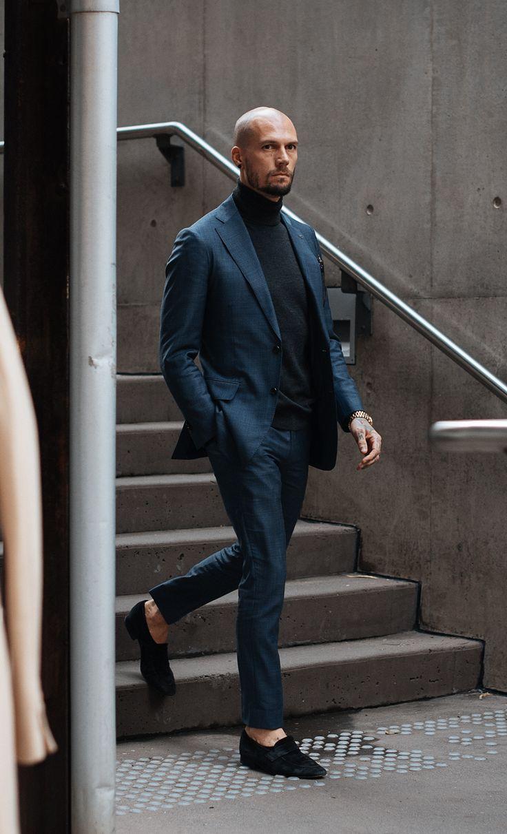 ブルースーツ×シンプル