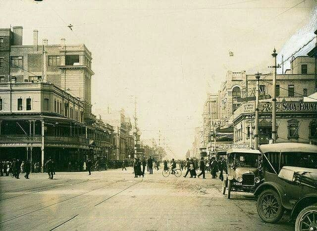 Grenfell St,Adelaide,in South Australia in 1917.