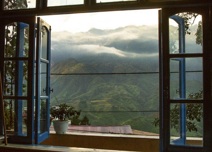 Wake Our World / louisetakesphotos:   What a view to wake up to -...