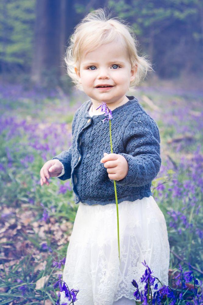 bluebell mini photo shoot| bluebells| little girl portrait| hampshire