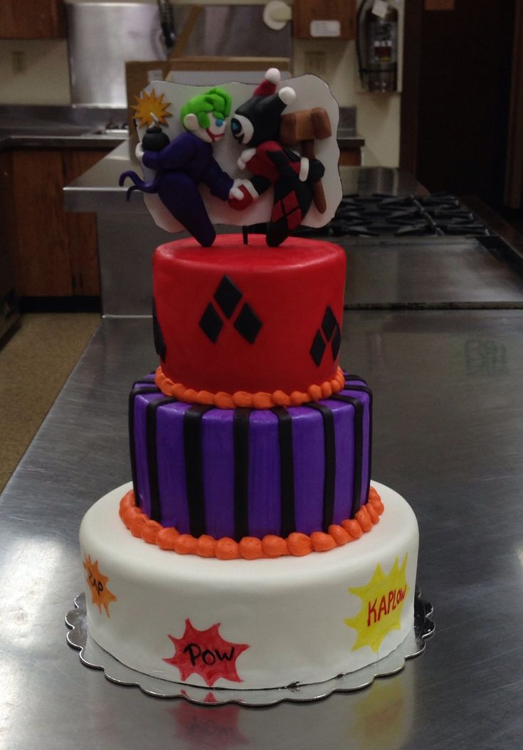 Harley Quinn Joker themed wedding cake by Custom Cakes by Emilie.