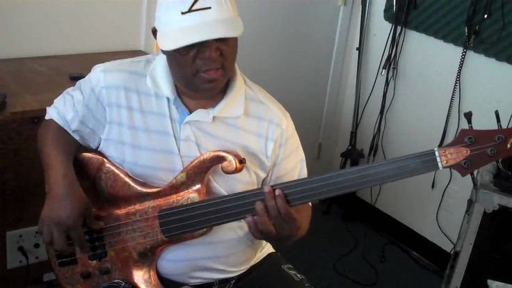 Paul Simon's Graceland Fretless Basslines Lesson by Bakithi Kumalo