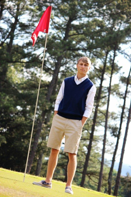 Senior pictures for guy into Golf