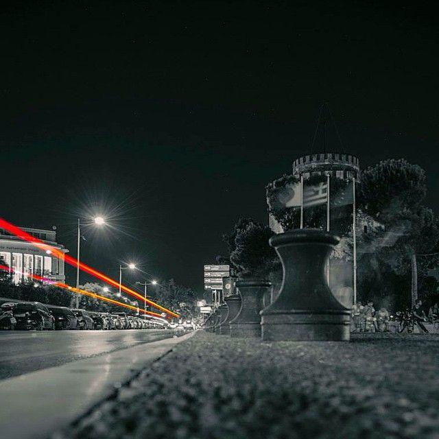 Η Θεσσαλονίκη, η πόλη του βορρά με το λαϊκό χαρακτήρα, την ιστορία γραμμένη στους δρόμους κι αποτυπωμένη στις γειτονιές της, τους ανθρώπους με το χαλαρό τρόπο ζωής και την έντονη αίσθηση μιας άλλης εποχής! Η Σαλονίκη δείχνει καθημερινά τον πολύπλευρο χαρακτήρα της μέσα από τις φωτογραφίες των κάτοικων και επισκεπτών της. Μια αναζήτηση στο instagram...  Read more »