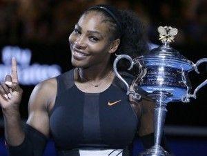 Serena Williams posa embarazada y desnuda para revista