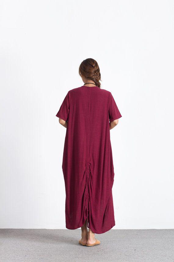 ★ Deze unieke jurk is ademend en zacht. We speciaal wassen elke jurk na Hand-naaimachines, niet meer krimpen. Zo heeft het een ontspannen textuur en een prachtig draperen.  ★ Materiaal: linnen / 100%  U kunt elke kleur kiezen uit onze stof staal:  ★ Model grootte:  --Model slijtage maat M --Model is 170 cm/5  8 --Model metingen (buste 31/ taille 26 / heupen 36)  ★ zodat het geschikter voor u. Vertel me uw lichaam metingen:  --uw hoogte --uw gewicht --uw Bust omtrek --uw om...