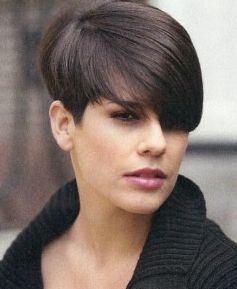Short Wedge Haircut,planning to get a classic short wedge haircut, the stylist will cut longer layers at the   short wedge haircut than th...
