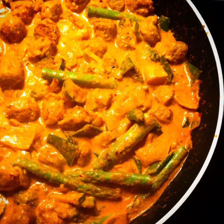 Vegetarian Thai Red Curry with soya chunks and mixed veggies
