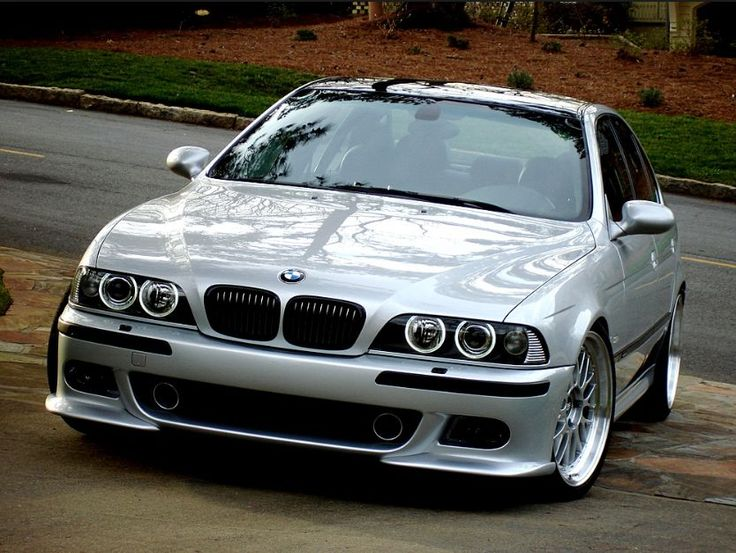 BMW E39 M5 sleek silver with polished rims