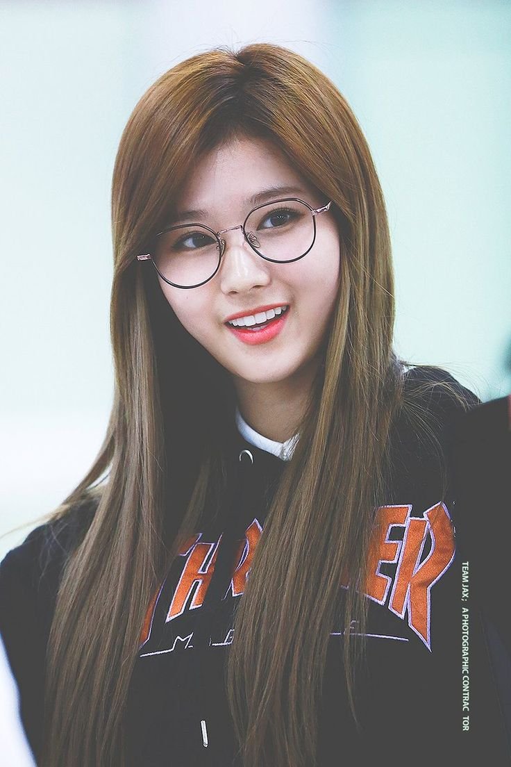 ~bem estilo Harry Potter, amo esses óculos gnt, Sana eu te venero