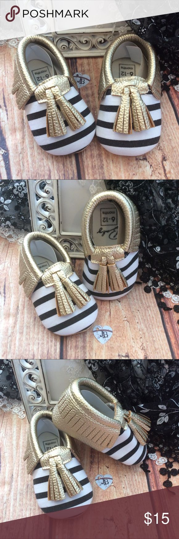 Boutique Baby Unisex Striped mocassin Shoes Gender neutral Moccasin style Baby crib shoe. Black and white stripe with gold fringe and tassels. Super cute for summer! Shoes Baby & Walker