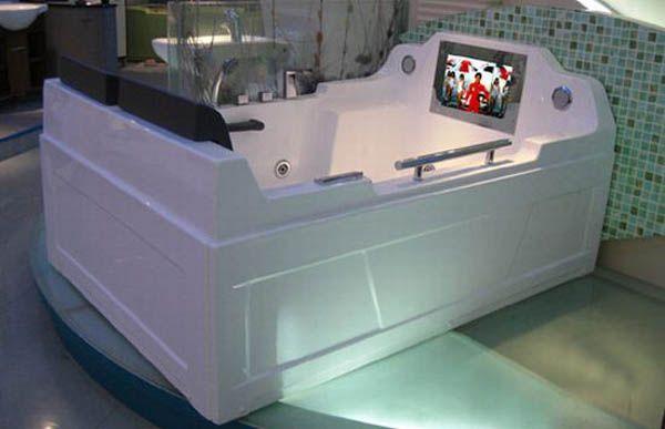 spa bathtub with tv | Bathroom-Tv-in-Your-Bathroom