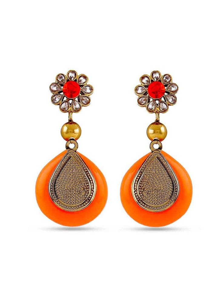 Swiftly flaunting the lavishing charm of earrings.  Item Code: JRUM600  http://www.bharatplaza.com/new-arrivals/jewellery.html