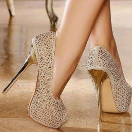 Delicate Champaign Golden Stiletto Heel Queen Closed Toe Pumps