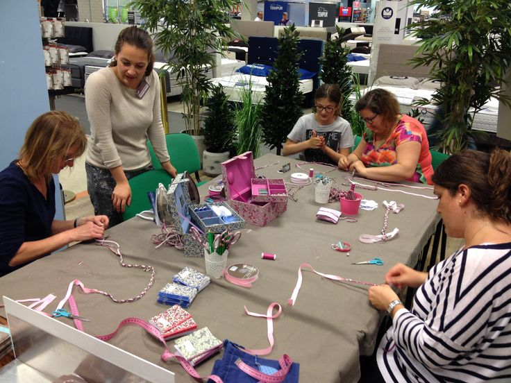 Atelier DIY Frou-Frou organisé par #Salon CSF au BHV Parly 2