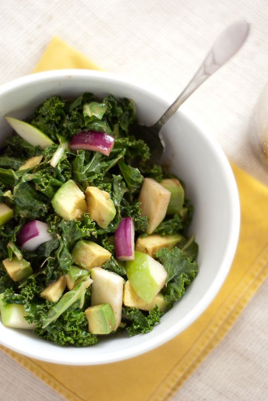 recipe for raw kale salad with apple, avocado and balsamic dressing