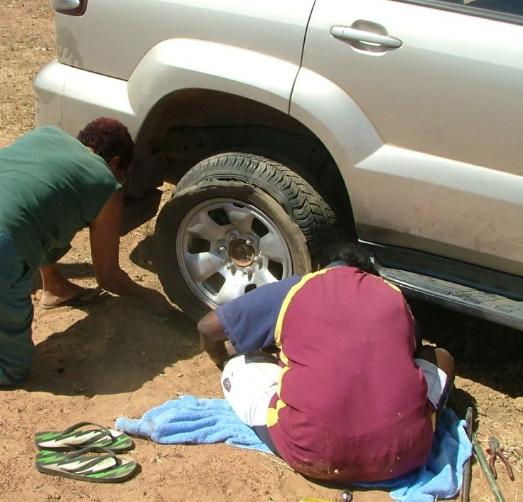 Just as well someone knew what they were doing. This Doomadgee girl who was working at the Roadhouse certainly did. Apparently almost everybody out that way has to have this skill if they don't want to be dependant on others to come to the rescue. If she didn't, Genevieve Martin and i (Jenuarrie) would still be braving it out in amongst the anthills. i was just so impressed with how this task did not even faze our young rescuer.