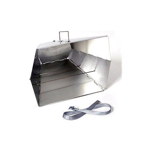Met deze unieke oven maak je optimaal gebruik van de warmte van je kampvuur om de heerlijkste gerechten te bereiden. Ideaal voor pizza's, brood, koeken en andere bakprojecten. Gewicht 800 gram, afmetingen 40,5 x 29 x 23cm (open).