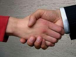 Só para não esquecer do aperto de mão, tão simbólico pra gente