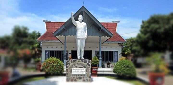 Ini Dia Kondisi Rumah Masa Kecil Presiden Soekarno. Jangan Kaget Liatnya