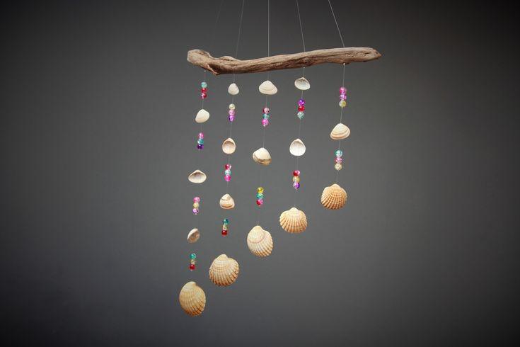Deko-Objekte - Mobile Sonnenfänger mit Muscheln und Glasperlen - ein Designerstück von Prinzessin-Schluesselblume bei DaWanda