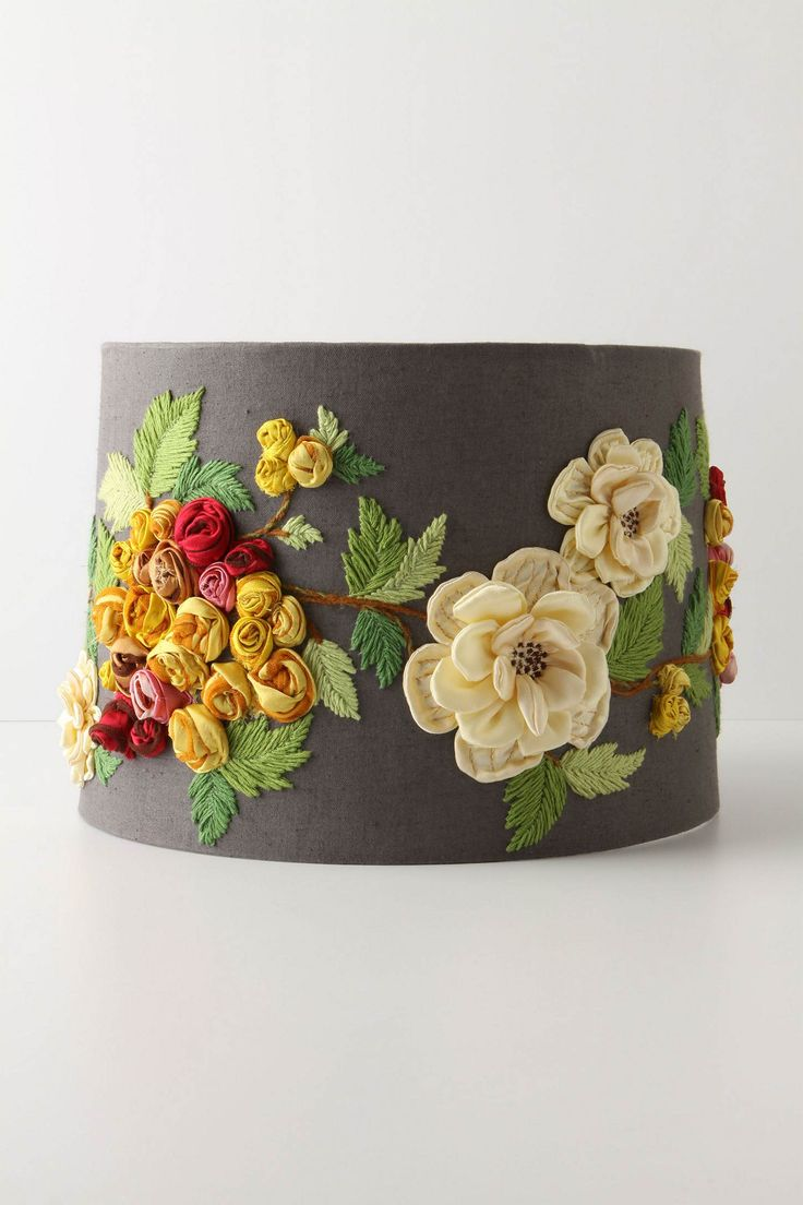 Love it!Diy Ideas, Lampshades, Lamps Shades, Fine Design, Living Room, Lamp Shades, English Cottage Style, English Cottages Style, Embroidered Flower