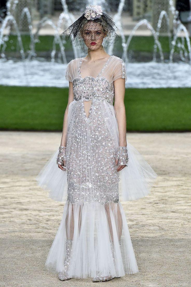Chanel Spring 2018 Couture Robe de mariée haute couture