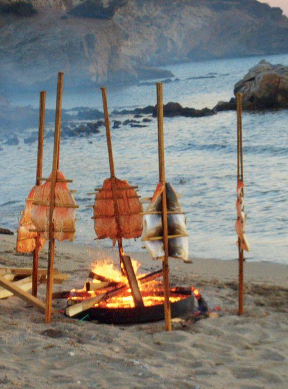 Food and Style - Smoking σολοµού σε παραλία στη Γλυφάδα