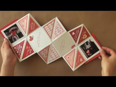 I do not speak spanish, but this tutorial for a fold out card is still excellent.  This would work great as is or as an active element in a mini-album