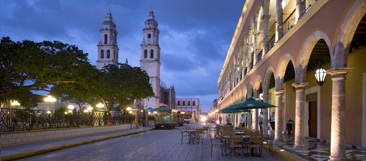 Ciudad de Campeche de Noche ©CPTM / Foto: reo