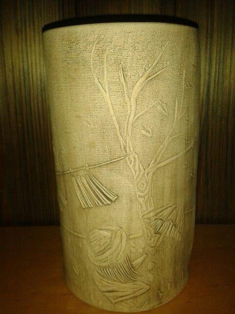 Váza technikou zaváleného linoritu