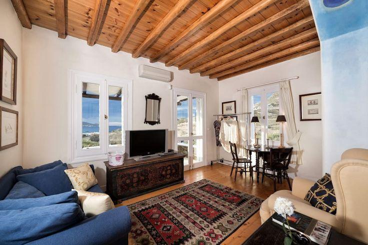 Guestroom - open plan sitting room