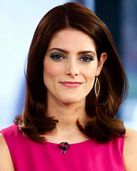 Ashley Greene's Mid Length Blowout hairdo.  Great looking thick medium hairstyle.