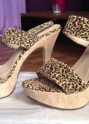 Kaufe meinen Artikel bei #Kleiderkreisel http://www.kleiderkreisel.de/damenschuhe/hohe-schuhe/120978926-sexy-sandalette-plateu-highheels-kork-leoprint