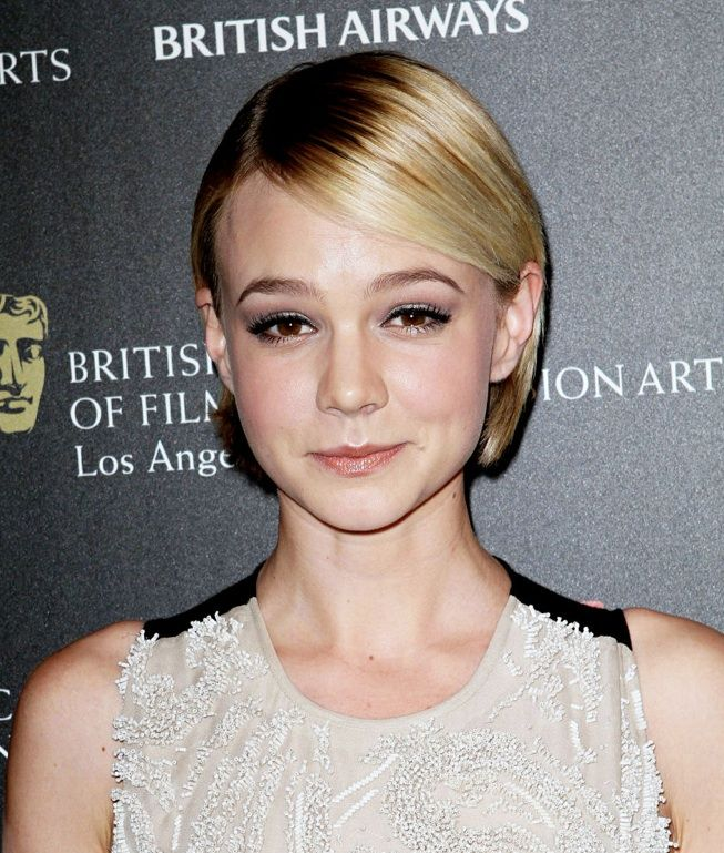 One Length Hairstyles. Carey Mulligan Sleek Short Bob Cut #hairstyle - See more stunning hair design at Stylendesigns.com!