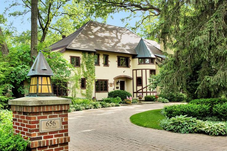 North Shore Chicago Homes For Sale. Pinned by #ChiRenovation - www.chirenovation.com