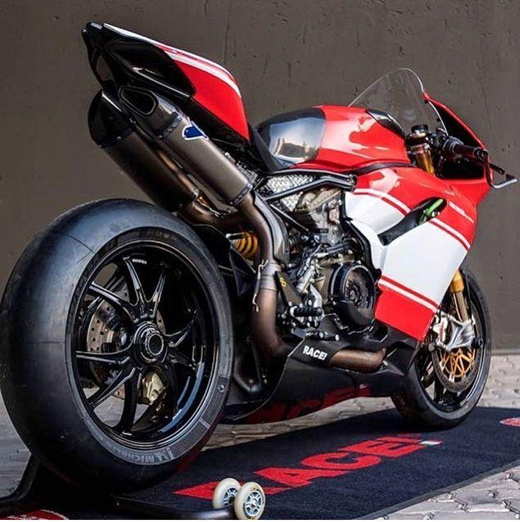 Ducati 1299rs Monster Geteilt Nach Motorradbekleidung