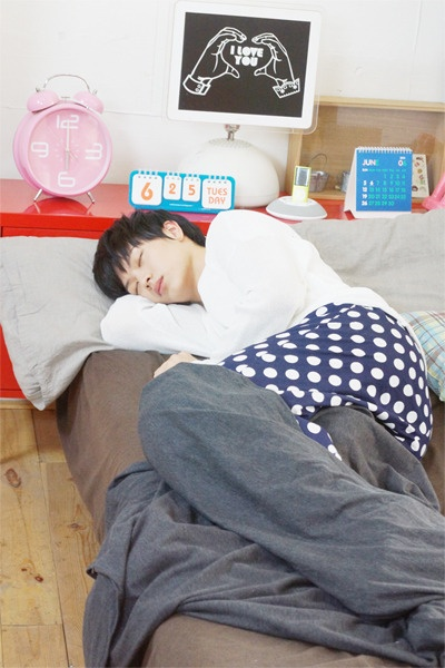 Sungjae - BTOB ... normally don't pin pics like this but i think it is too precious... <3 him