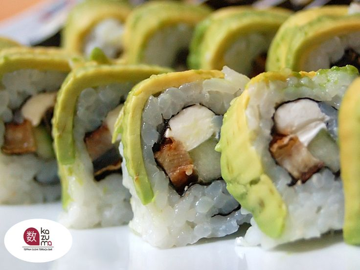 EL MEJOR RESTAURANTE JAPONÉS EN MÉXICO En Restaurante Kazuma, nos caracterizamos por siempre estar innovando en las recetas de nuestros platillos. Le recomendamos probar nuestro delicioso Pulpo Roll que está relleno de camarón empanizado, envuelto con aguacate, queso, mango, atún spicy y pulpo. Visítenos y disfrute el mejor sushi de Polanco.    #lamejorcomidajaponesa
