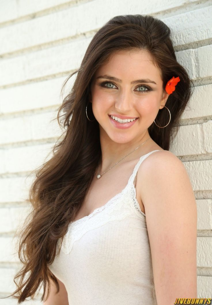 Ryan Newman,  teen actress and singer. known for her roles  Cindy Collins in Zoom and Emily Hobbs in See Dad Run