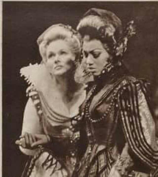 Elisabeth Schwarzkopf (Donna Anna) &Leontine Price (Elvira) in Mozart's 'Don Giovanni', my favorite!