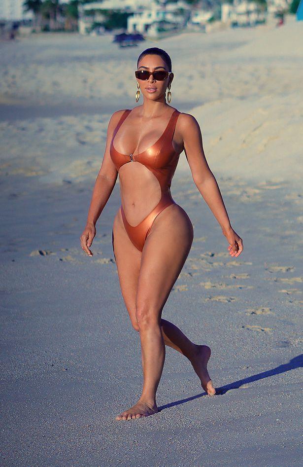 Mexico Christmas 2020 Kim Kardashian, Cabo San Lucas's beach, Mexico, Christmas 2020. in