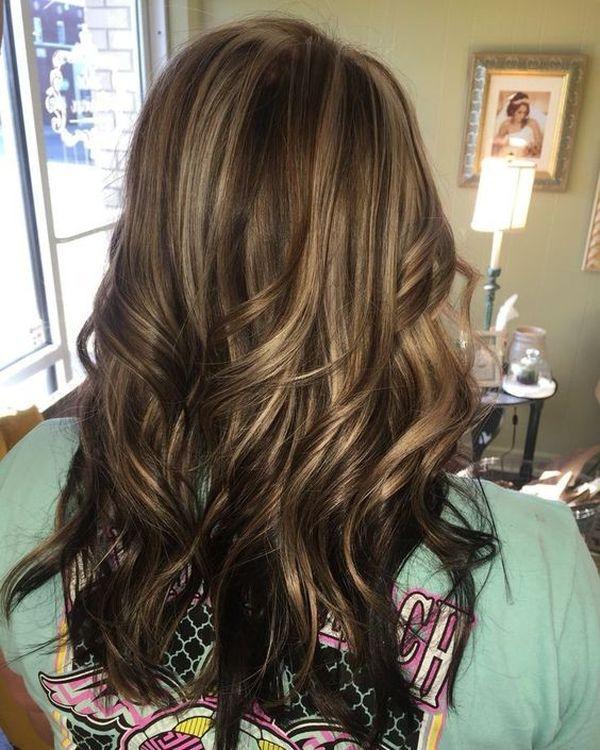 The Classic Way Of The Dark And Fair Caramel Highlights On The Brown Hair Hair Styles Hair Highlights Gorgeous Hair