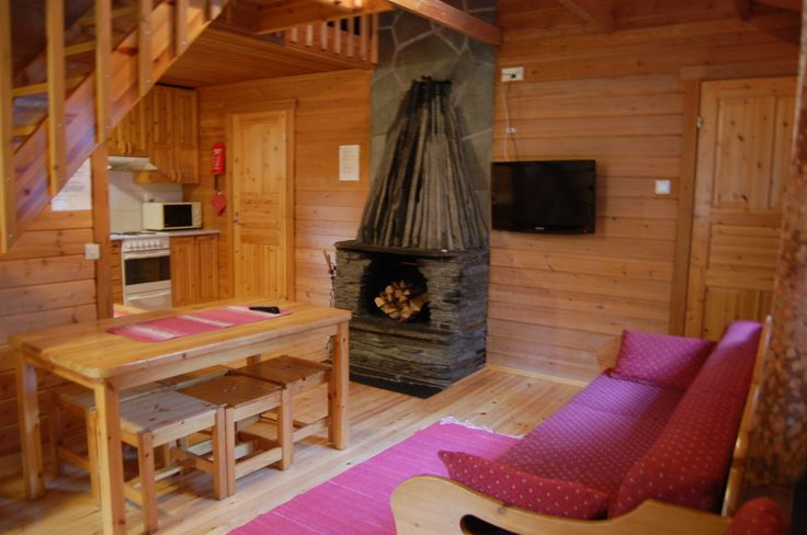 Mökki 13, 15-18. 6+2 vuodetta. Cabin 13, 15-18. 6+2 beds.