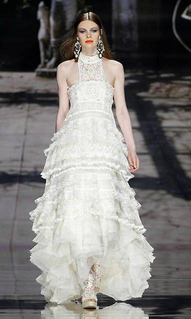 Perfectos para las 'rustic weddings', las bodas en la playa y al aire libre, los trajes ibicencos siguen siendo un 'bestseller' entre las novias de verano
