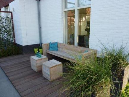 10 best images about tuin voortuin on pinterest gardens delft and tuin - Landscaping modern huis ...
