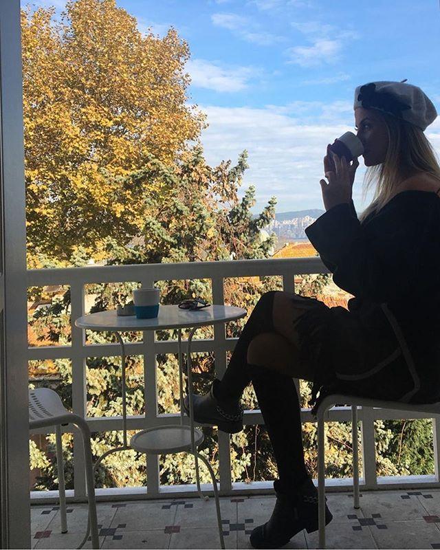 Gökyüzünün maviliği bizi hayallere sürüklüyordu.   : @tugceyordem   #serguzestotel #serguzest #buyukada #büyükada #tatilkafasi #adakafasi #cokgezenlerkulubu #smallhotelsofturkey #huffingposttravel #istanbul #travelgram #kucukotellerkitabi #instatravel #hurriyetseyahat #seyahat #travelling #letsgoeverywhere #heryeregidelim #princesislands #travellog#10numaralisuit  #butikotel #boutiquehotel