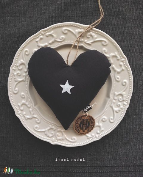 Meska - Szív csillaggal  ircsisufni kézművestől #heart #gray #star #minimal