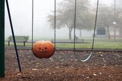 jack o lantern swinging: Just A Swings, Plumkin Swings, Fun Photos, Lanterns Swings, Jack O' Lantern